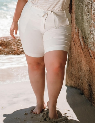 Shorts Plus Size Com Cinto Twill Branco - Palank